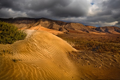 Famara Cliffs & Dunes, Lanzarote by Phil Thompson