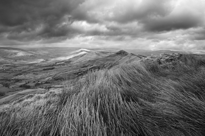 Lose Hill from Rushup Edge by Phil Thompson