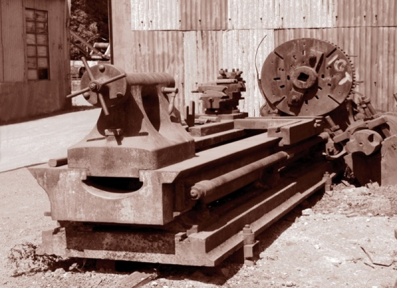 An Old Lathe by Vic Brown