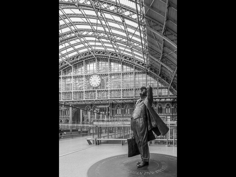 BETJEMAN AT ST PANCRAS by Dick Bateman