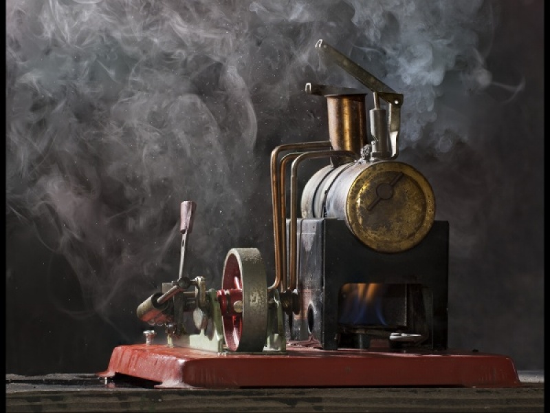 MODEL STEAM  ENGINE by james chapman