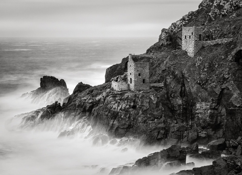 STORM FORCE CROWN ENGINE HOUSES by Keith Gordon