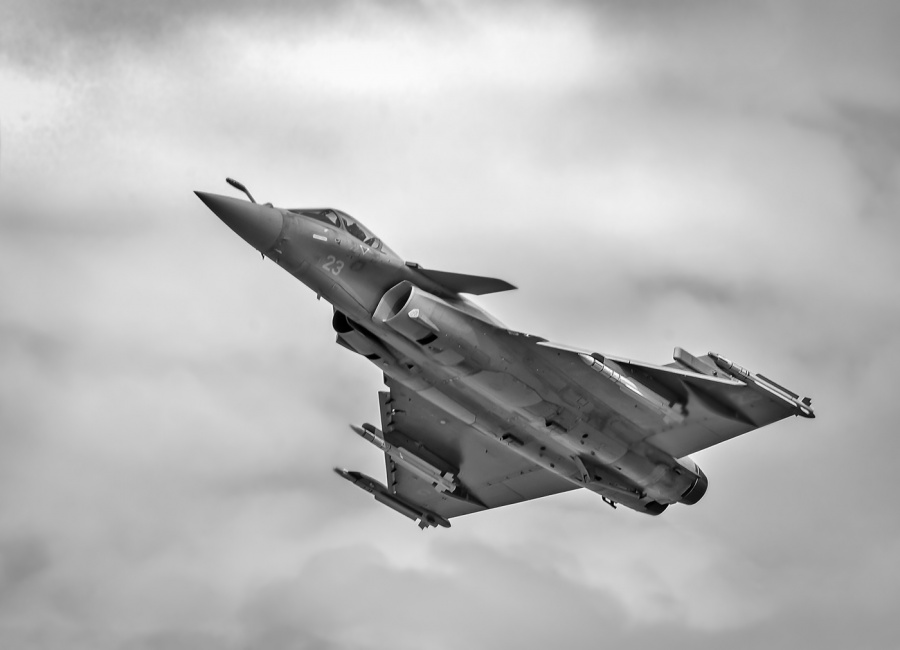 RAFALE CLIMBING by Terry Walker