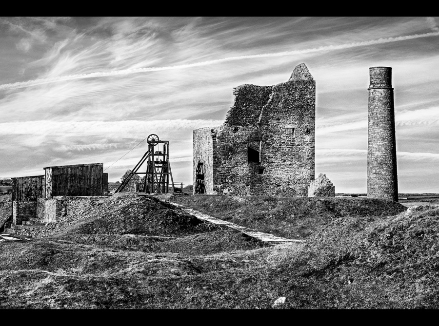 MAGPIE MINE by Rosy Bateman