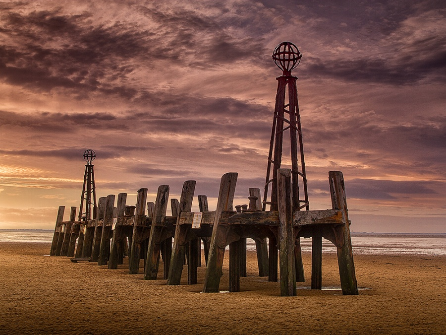 THE OLD JETTY by Ken Lomas