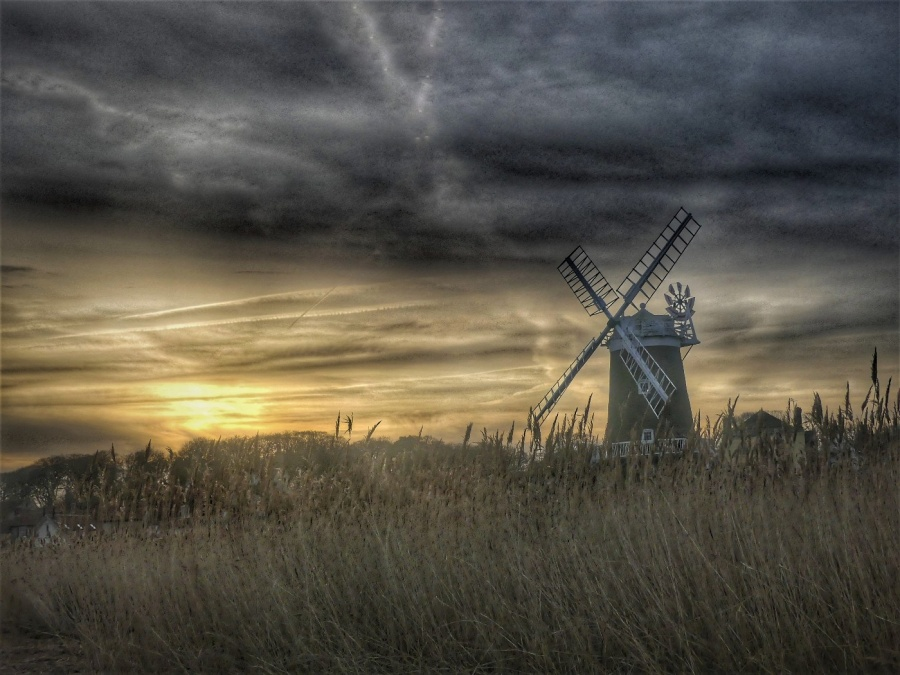 CLEY WINDMILL by peter hill