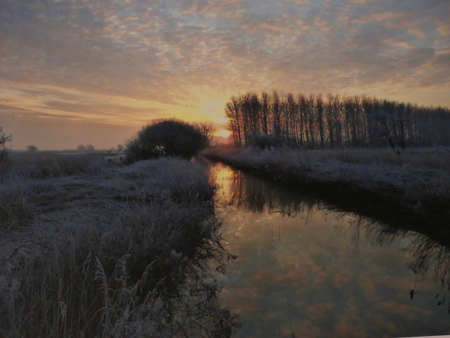 SUFFOLK SUNRISE by peter hill
