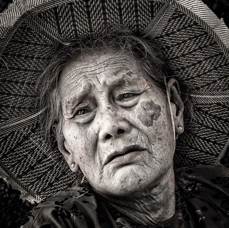 OLD VIETNAMESE LADY by Caroline Claye-1