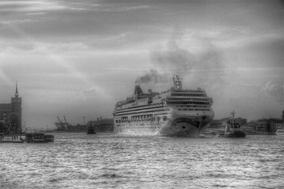 The Arrival of The Norwegian Jade by Angela Caunce