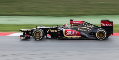 Kimi Raikkonen in his Lotus by Pete Roberts
