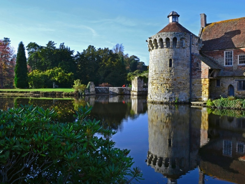 SCOTNEY CASTLE by Desi Lander