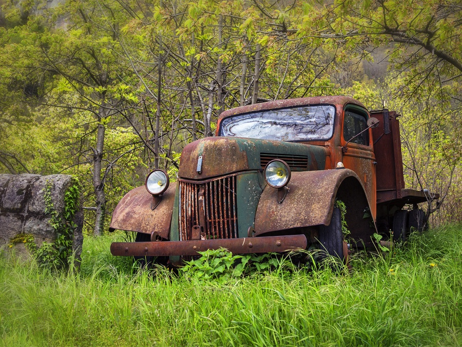RUST IN PEACE by Keith Gordon